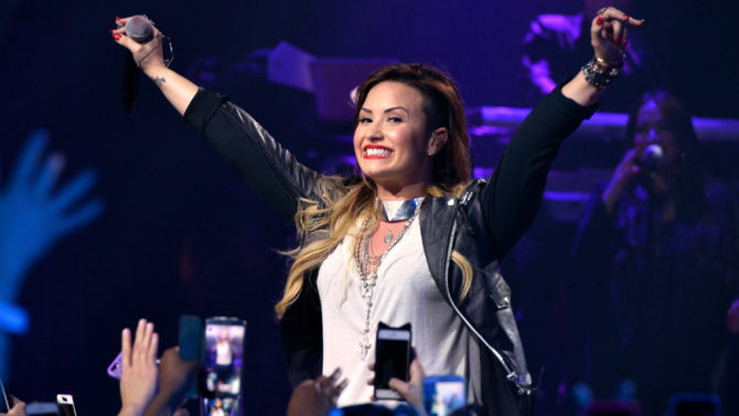 Demi Lovato, DEMI Would Tour