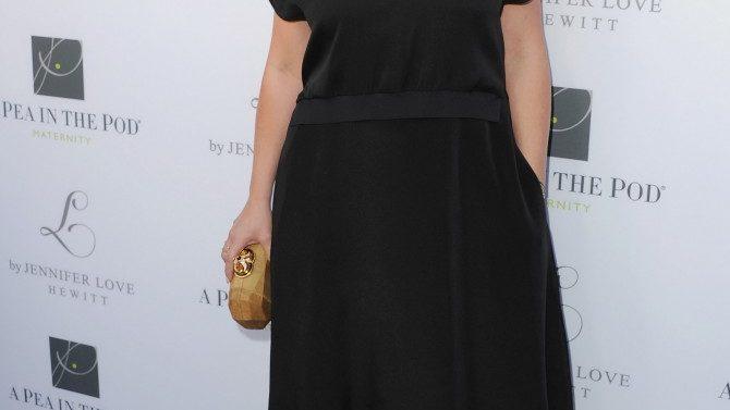 Jennifer Love Hewitt Une Elenco Criminal
