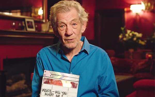 Ian McKellen Ayuda Pedir Matrimonio
