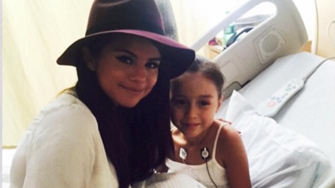 Selena Gomez Sorprende Niños Childrens Hospital