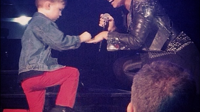 Demi Lovato Comprometida Nino 5 Anos