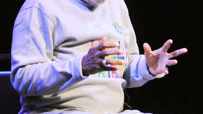 Bill Cosby enfrenta demanda por asalto