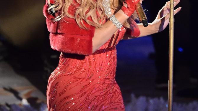 Mariah Carey criticada por presentación en