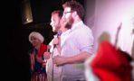 Seth Rogen sorprende fans en estreno