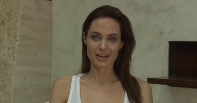 Angelina Jolie Tiene Varicela