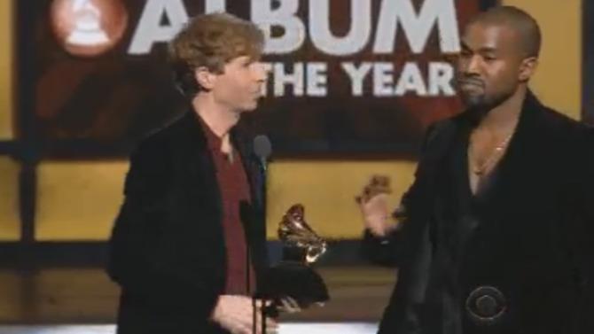 Grammys: Kanye West trata de interrumpir