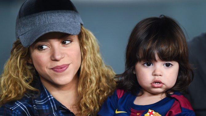Shakira Milan Leyendo Juntos