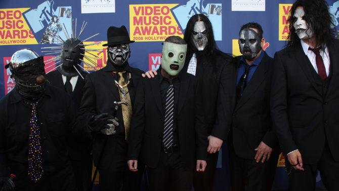 Slipknot guitarrista Mick Thomson apuñalado hermano