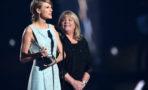 Conmovedor discurso mamá taylor swift AMC