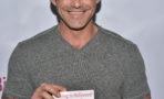 Actor Buffy the Vampire Slayer ingresa