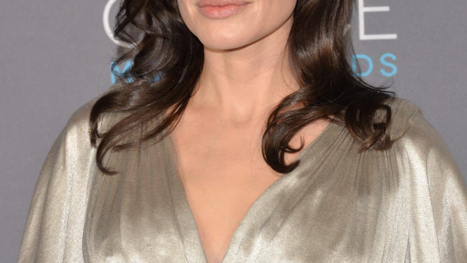 Angelina Jolie Netflix dirigirá película