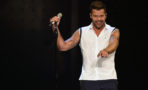 Ricky Martin emite inesperada confesión sexual