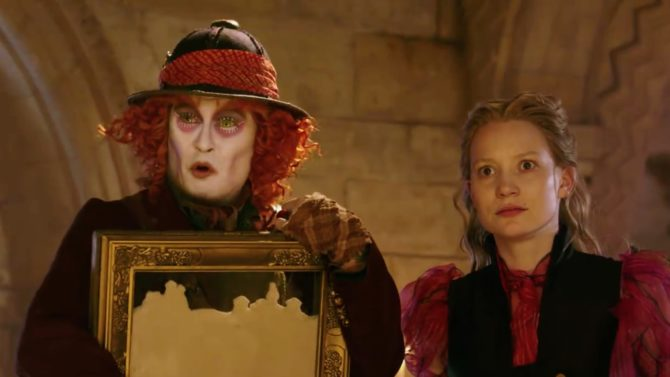 Nuevo tráiler de 'Alice Through the