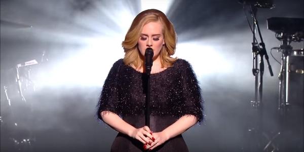 Adele Canta Hello