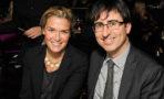 John Oliver y Kate Norley