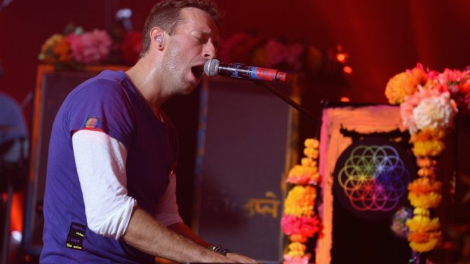 Coldplay canta Imagine