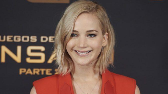 Jennifer Lawrence Se Cae En Estreno