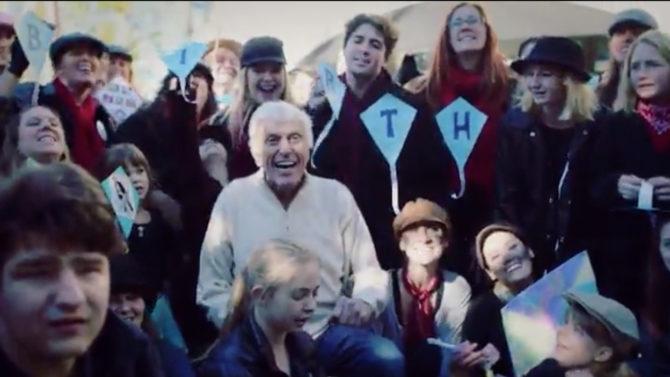 Dick Van Dyke cumpleaños 90 flash