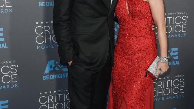 Emily Blunt y John Krasinski esperan