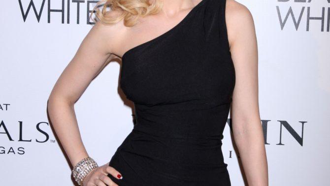 Holly Madison esta embarazada por segunda