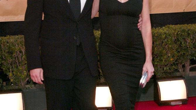 Denise Richards acusa a Charlie Sheen