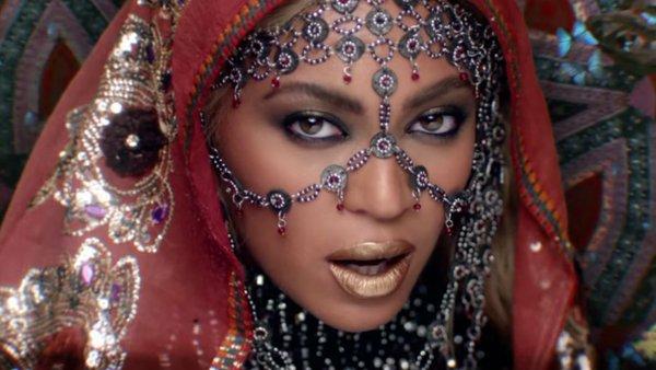 Critican Video de Coldplay y Beyoncé