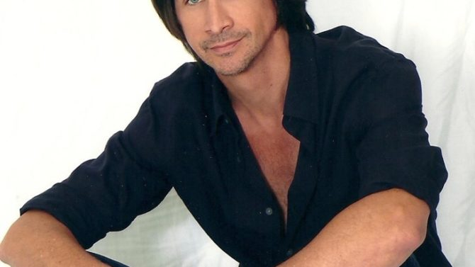Michael Easton regresa a 'General Hospital'