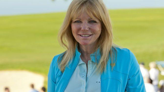 Cheryl Tiegs critica a Sports Illustrated