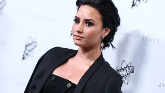 Demi Lovato, John Legend y más