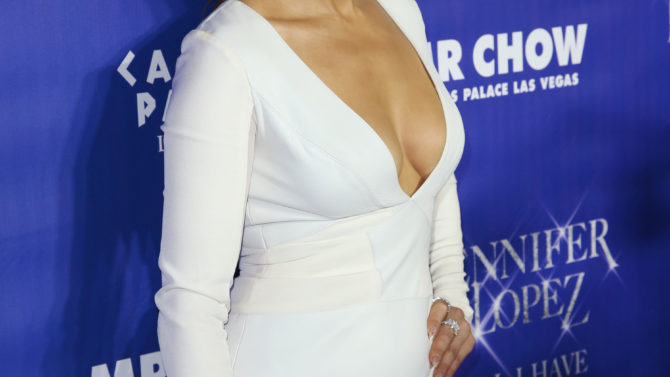Jennifer Lopez extiende su residencia en