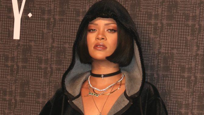 Rihanna publica video tras las cámaras