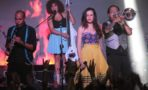 13 artistas latinos emergentes que debes