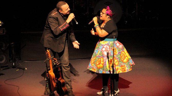 Pepe Aguilar comparte el escenario con