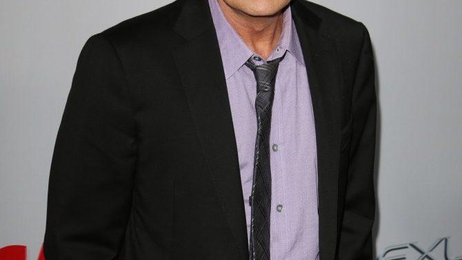Charlie Sheen pide reducción de la