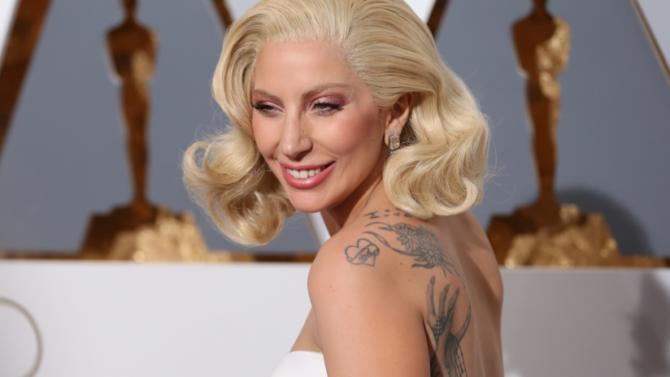 Lady Gaga confirma su regreso a