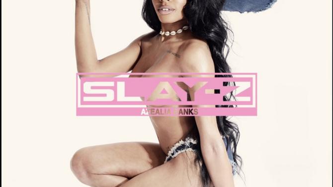 Azealia Banks, topless en la portada