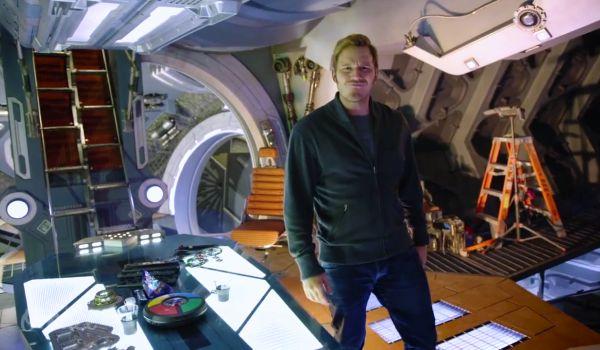 Chris Pratt Gives Tour of 'Guardians