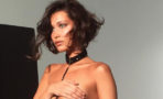 Bella Hadid se muestra semi desnuda