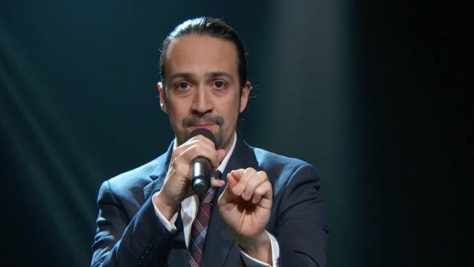Video de Lin-Manuel Miranda cantando sobre