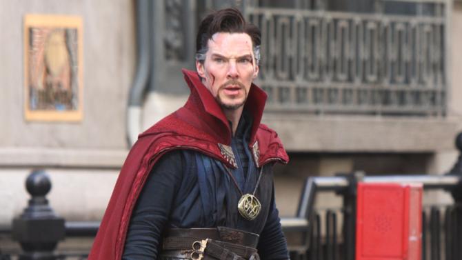 Benedict Cumberbatch visita una tienda de