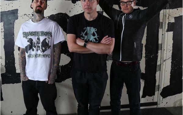 Blink 182 emociona a sus fanáticos