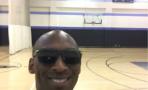 Kobe Bryant y Ellen le juegan