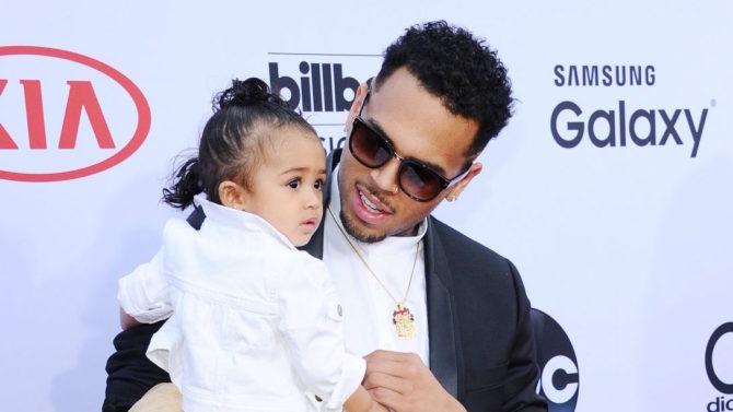 Chris Brown gana batalla legal en