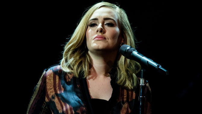 Adele dice que rechazó oferta de