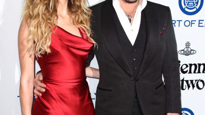 Amber Heard and Johnny Depp Art