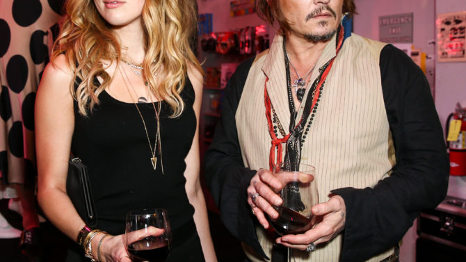 Amber Heard acusa a Johnny Depp