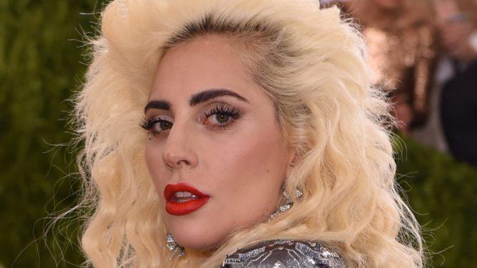 Lady Gaga defiende a Kesha luego