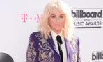 Kesha llega vestida de torera a