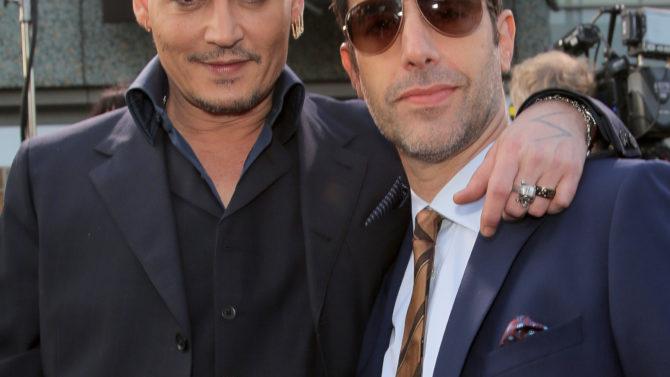 Sacha Baron Cohen perros Johnny Depp