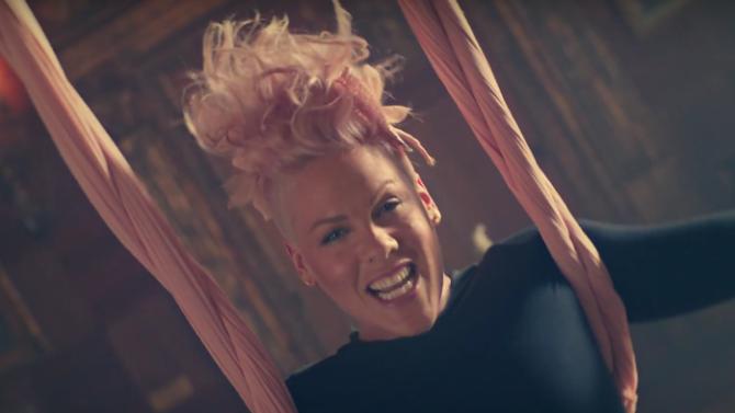 Pink estrena video de 'Just Like